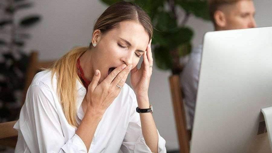 Сомнолог объяснил увеличение аппетита от недосыпа