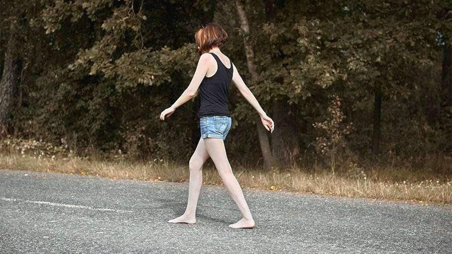 Психолог назвала причины появления голых людей на улицах
