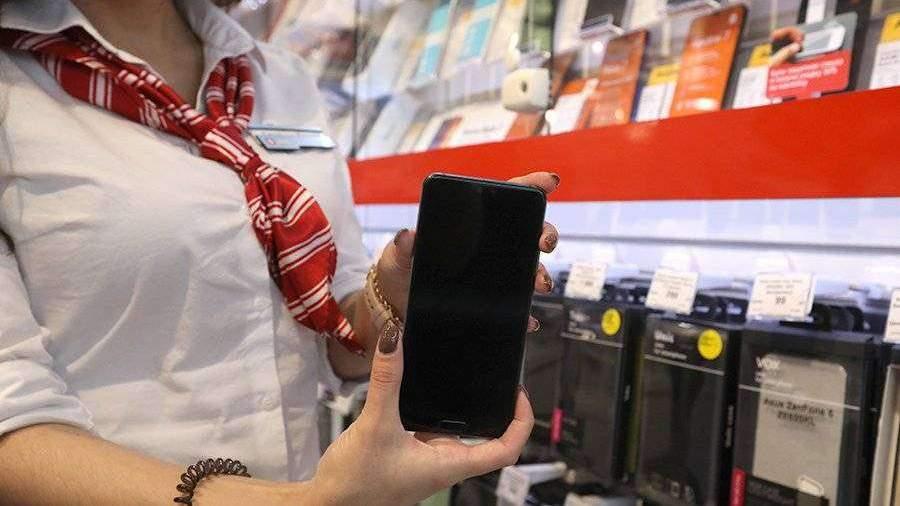 Минпромторг опроверг возможность дефицита смартфонов из-за коронавируса