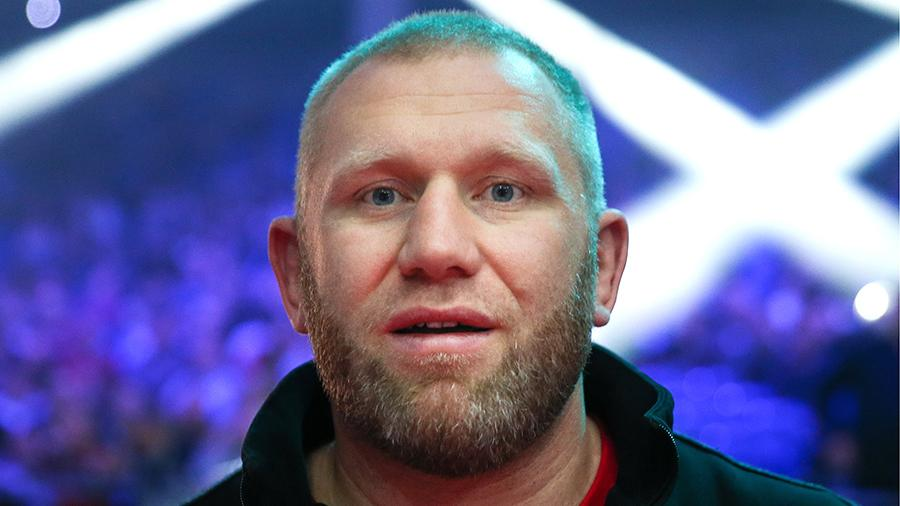 РЕН ТВ покажет бой Харитонова и Родригеса в прямом эфире 23 февраля