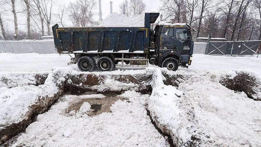 В Петербурге переплавили почти в 20 раз меньше снега по сравнению с прошлой зимой