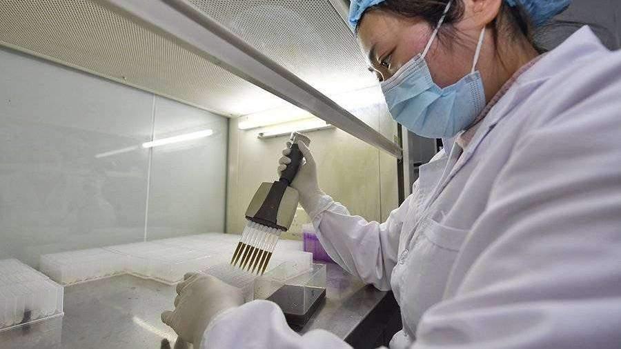 КНР назвала дату начала клинических испытаний вакцины от коронавируса