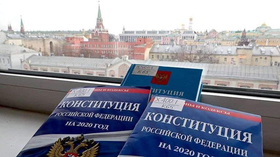 Сурков высказался за закрепление «гиперпрезидентской» формы правления в Конституции РФ