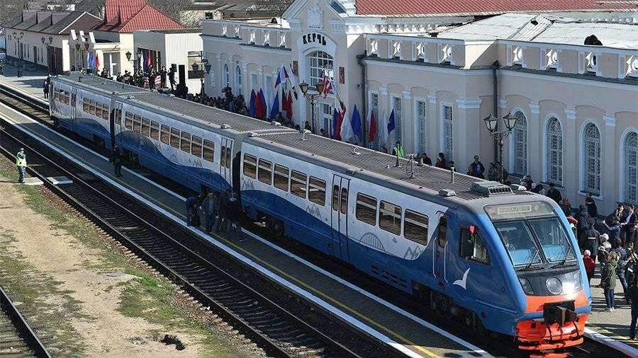 Первый рейс поезда Керчь–Анапа сняли с коптера