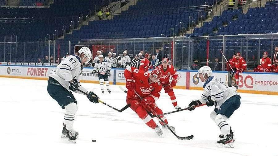 «Динамо» победило «Спартак» в овертайме и вышло во второй раунд плей-офф КХЛ