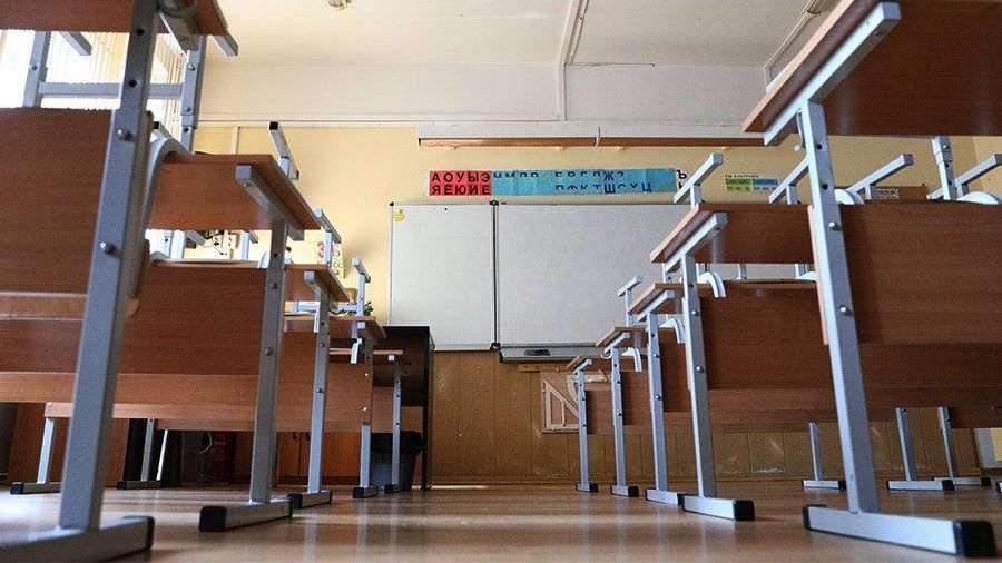 Министр просвещения прокомментировал мытье полов учениками в школах