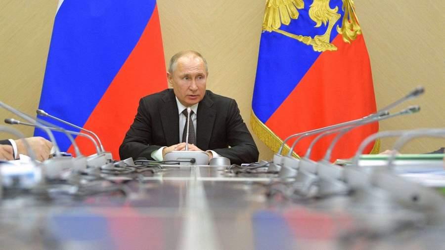 Путин проводит совещание с кабмином по борьбе с коронавирусом
