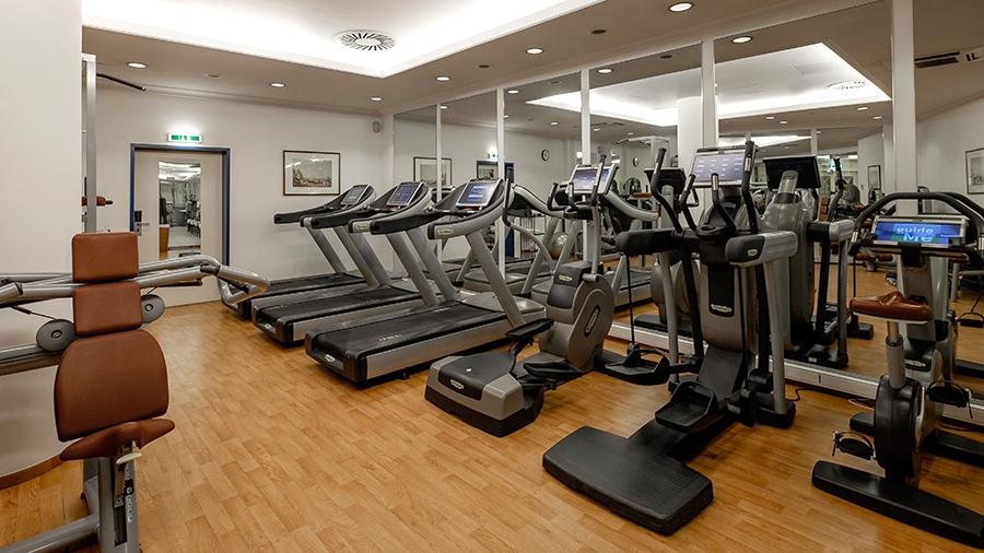 Роспотребнадзор обязал фитнес-центры Москвы прекратить пускать посетителей