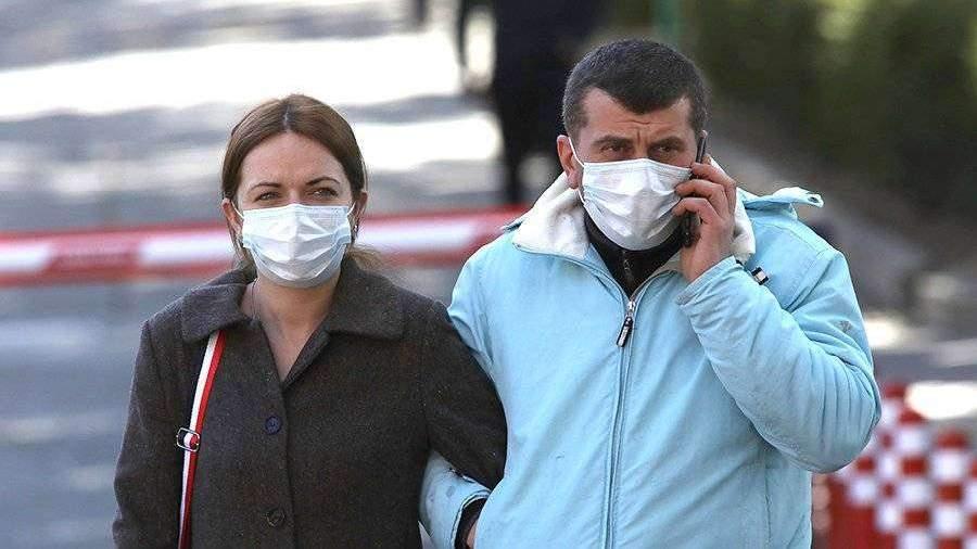 Роспотребнадзор посоветовал дезинфицировать телефоны для профилактики коронавируса