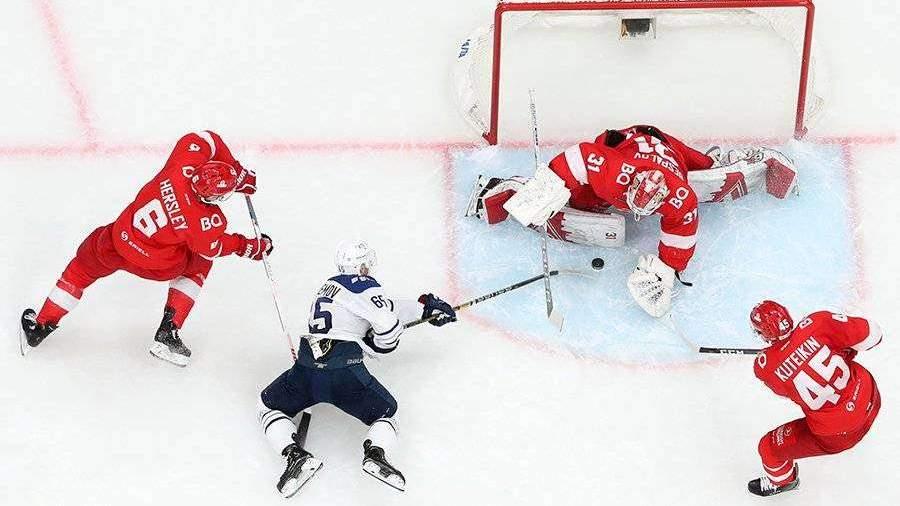 «Спартак»одержал волевую победу над «Динамо»в матче плей-офф КХЛ