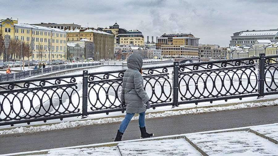 Синоптики пообещали москвичам снежные выходные
