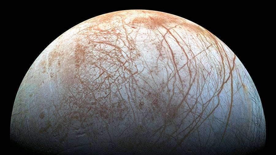 Ученые объяснили наличие горячей атмосферы на Сатурне