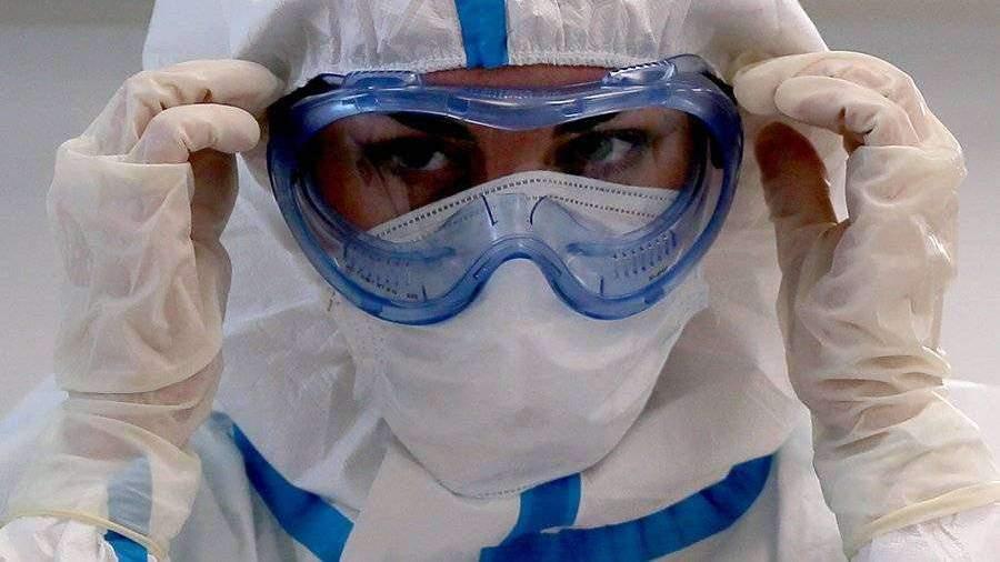 В Подмосковье назвали зарплаты лечащих COVID-19 врачей
