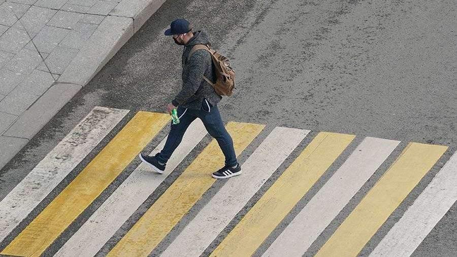 Власти Москвы объяснили необходимость ношения масок и перчаток