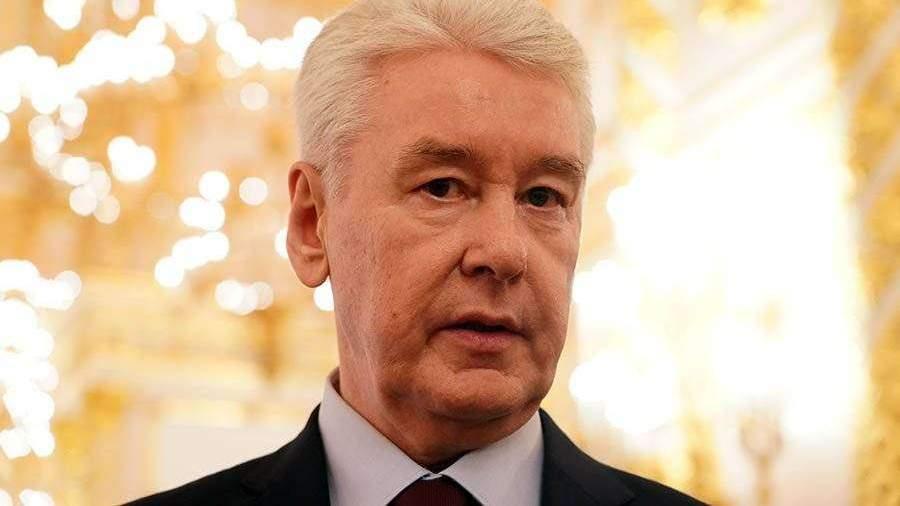 Собянин оценил возможность скорого открытия парикмахерских в Москве