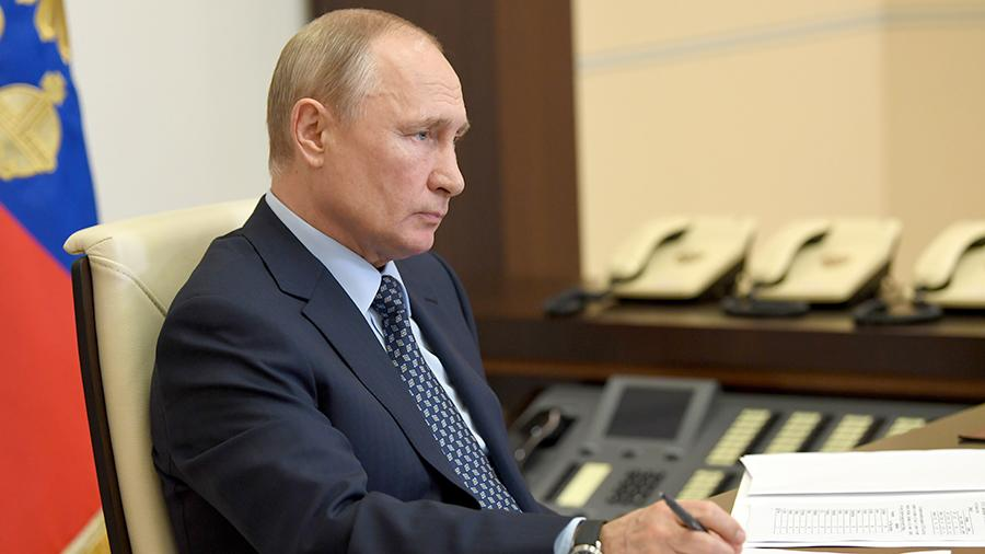 Путин обсудил с главой Минспорта возобновление работы спортцентров