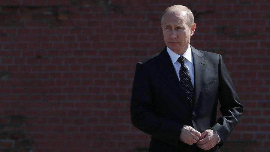 Путин 9 мая возложит цветы к Вечному огню и оттуда обратится к россиянам