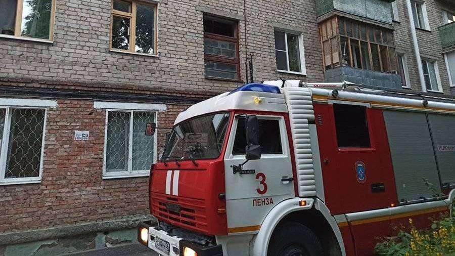 Три человека погибли во время пожара в квартире в Пензе