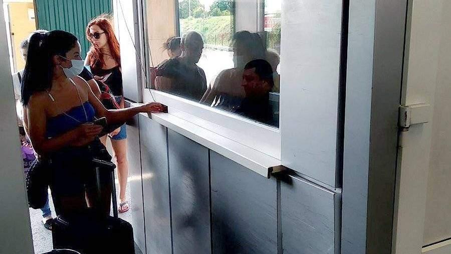 Несколько тысяч человек въехало в Абхазию после открытия границы с РФ