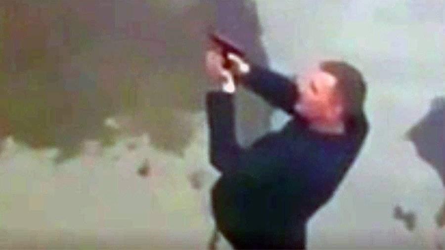 В Новороссийске мужчина устроил стрельбу из газового пистолета по детсаду