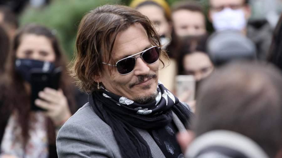 Dzhonni Depp Otkazalsya Ot Roli V Fantasticheskih Tvaryah 3 Novosti Izvestiya 06 11 2020