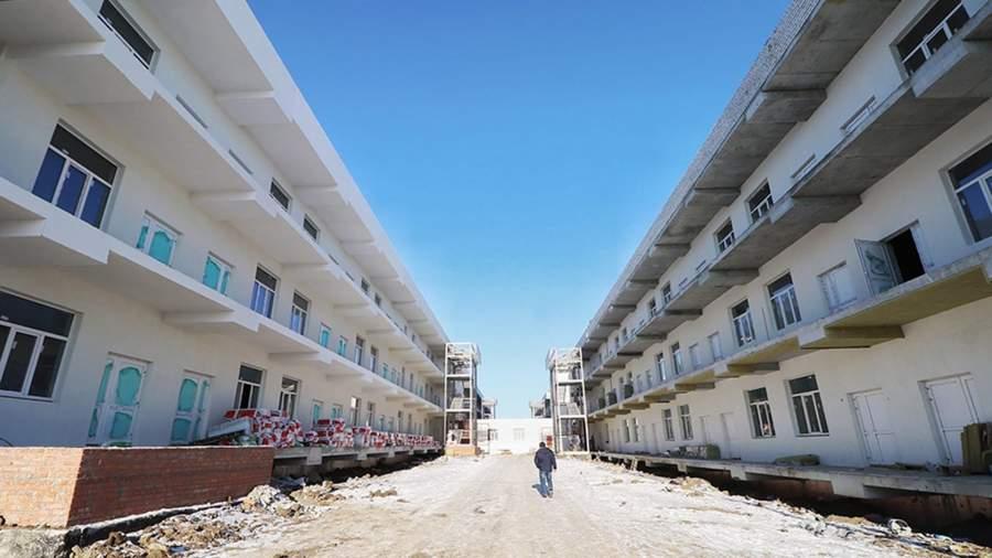 Два корпуса инфекционной больницы в Саратове достроят до конца лета