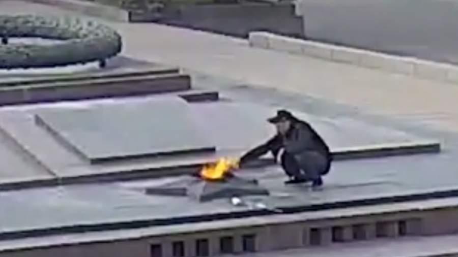 QIP%20Shot%20 %20Screen%20246.png В Волгограде возбудили дело на прикурившего от Вечного огня мужчину
