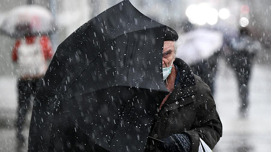 RIAN 6512939.HR .ru Метеоролог объяснила причины снегопада в Москве