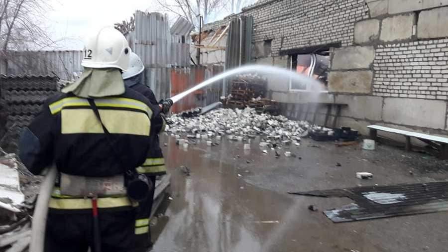 pozhar v kirovskom rayone goroda volgograda В Волгограде произошел пожар в цехе по производству дроби