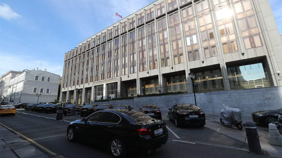 В Совфеде прокомментировали высылку российского дипломата из Северной Македонии