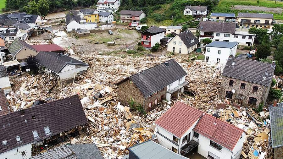Число жертв наводнения в Германии увеличилось до 42 человек   Новости    Известия   15.07.2021