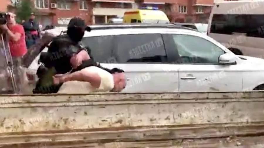 photo 2021 07 13 14 40 35 Против угрожавшего спрыгнуть с балкона жителя Иркутска возбудили дело