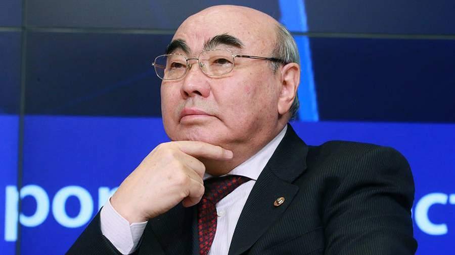 Объявленный в розыск экс-президент Киргизии Акаев прибыл в Бишкек