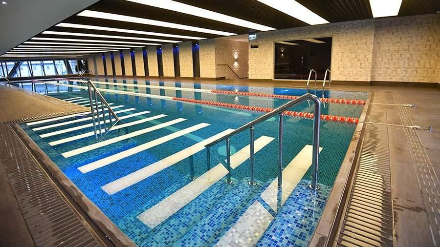 Бассейн в фитнес центре