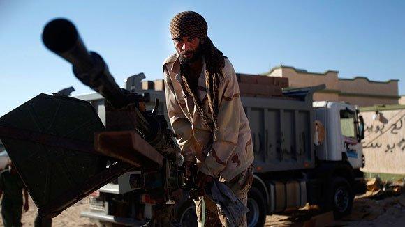 Повстанцы в Ливии подняли российский флаг