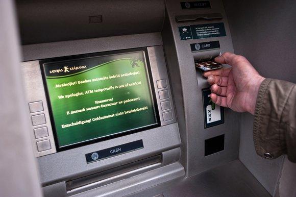 Россиянин завалил банки Латвии и Литвы