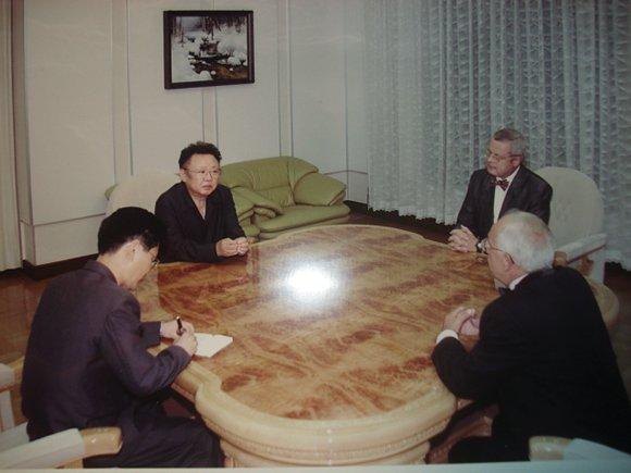 Когда Ким Чен Ир ездил по России на своем поезде, то полюбил водку «Русский стандарт»