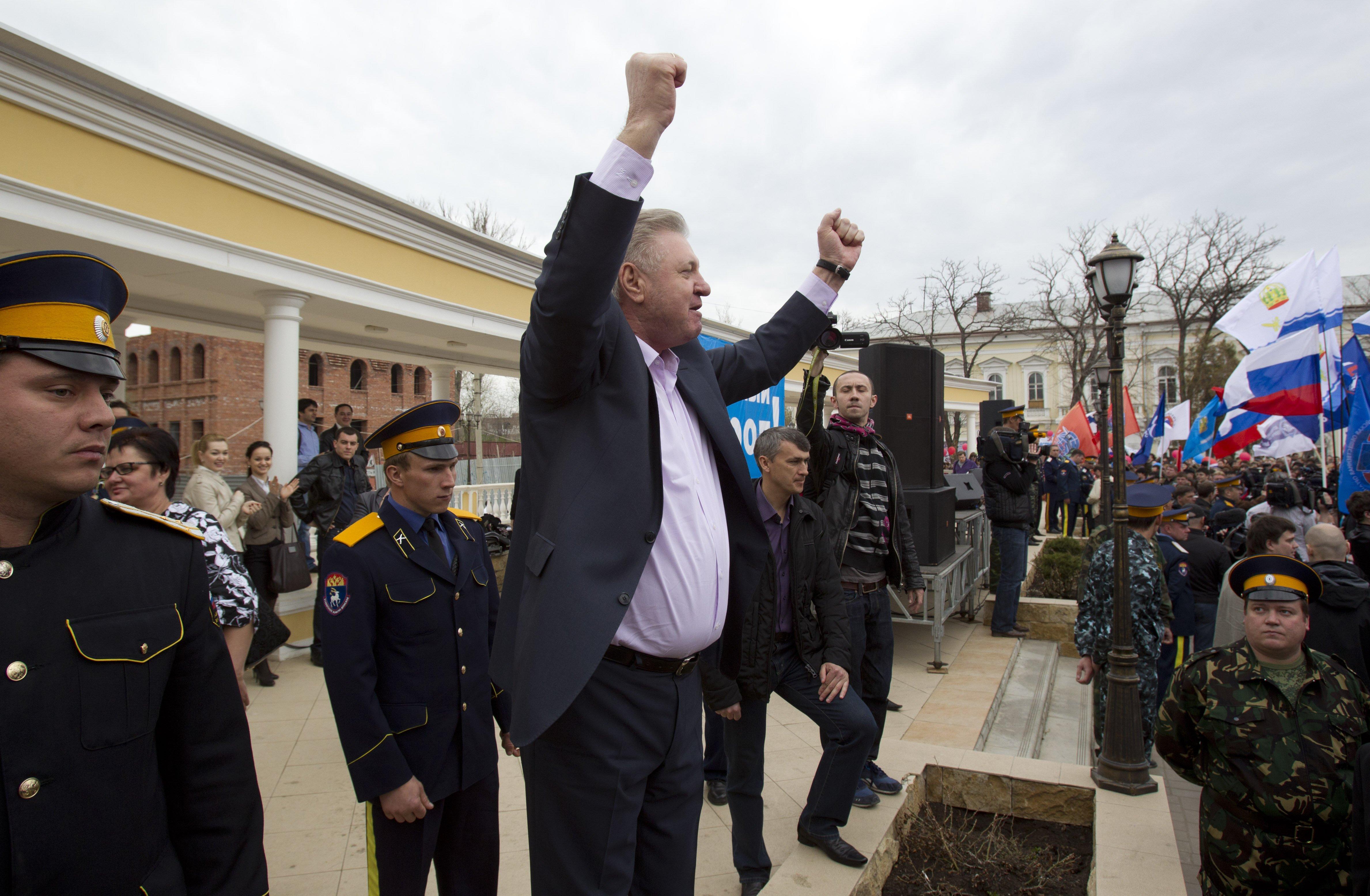 Шеин на улице набрал больше Столярова