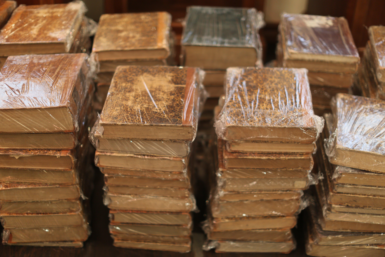 «Антикварные книги — выгодное вложение денег»