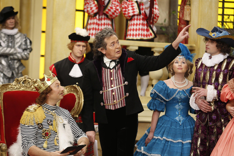 Верка Сердючка сыграет Красную шапочку и споет «Розовый свитер»