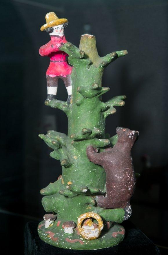 На выставке дымковской игрушки покажут барынь и Степана Разина