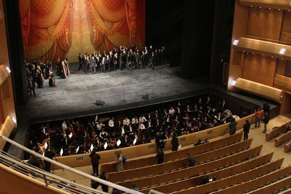 Валерий Гергиев провел акустический тест на большой сцене Мариинки-2
