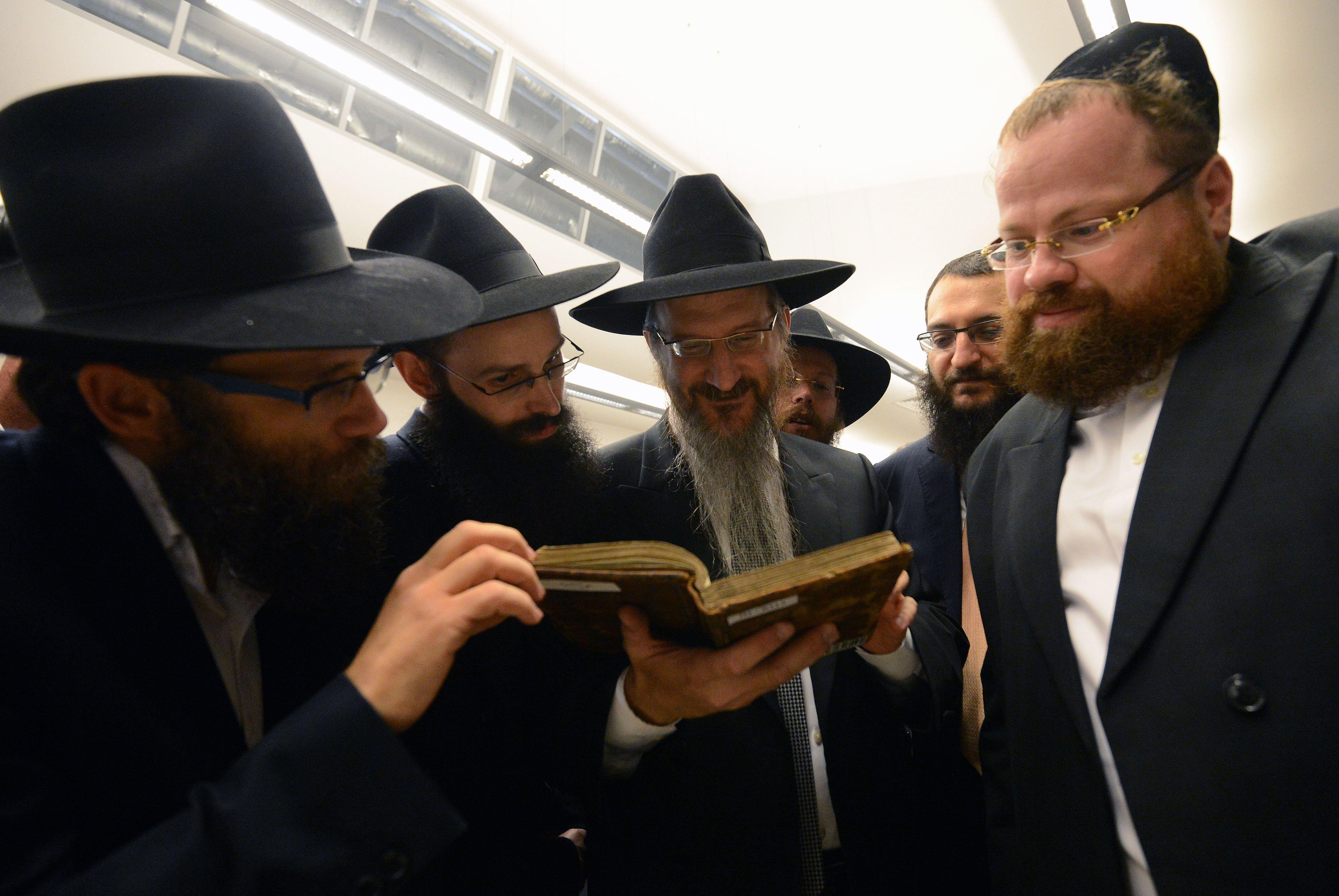 Библиотеку Шнеерсона перевезли в Еврейский музей в Москве