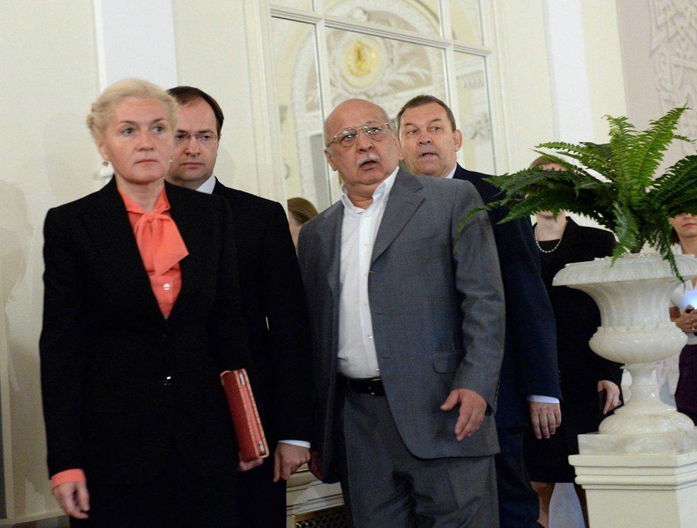 Юрий Григорович проводил Иксанова и встретил Урина