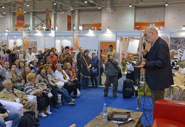 Борис Акунин перепишет историю Государства Российского
