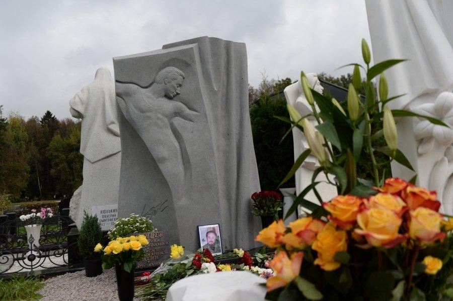 Владимир Урин открыл памятник Дмитрию Брянцеву