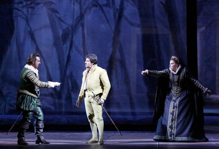 Большой театр проник в тайны мадридского двора