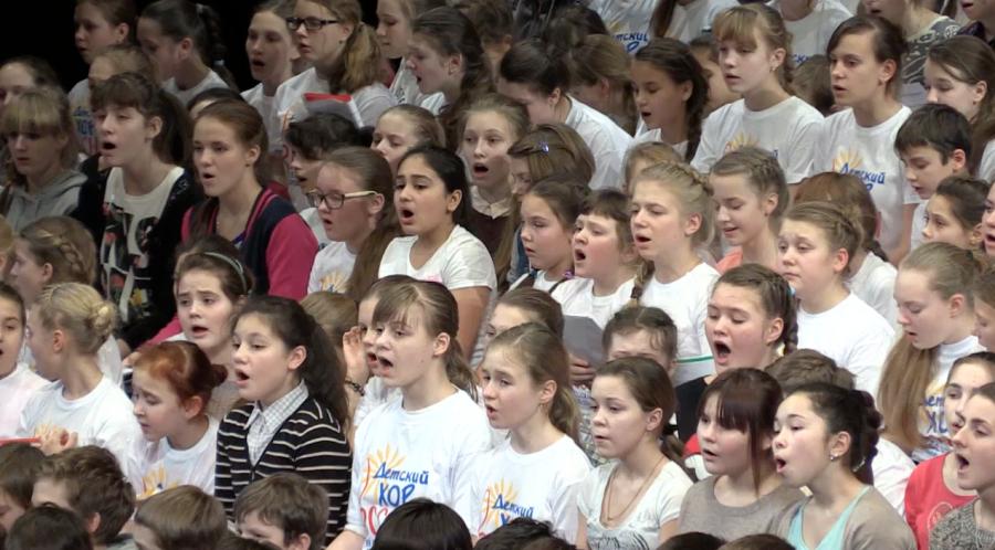 Детский хор спел олимпийскую песню для Путина