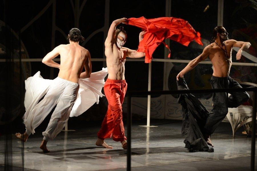 «Служанки» отпраздновали четверть века на сцене