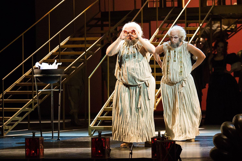 Юрий Любимов исполнил роль короля в опере «Школа жен»